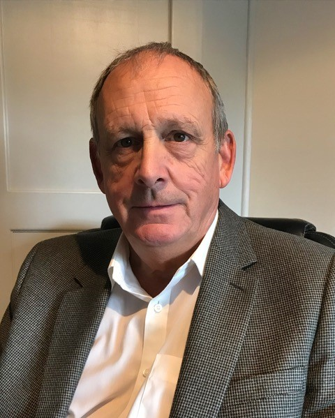 Mr Miles Dickson, Consultant Plastic Surgeon